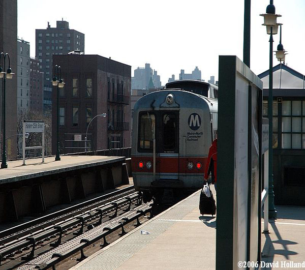 Metro North train bound for Grand Central leaving Harlem-125th Street station